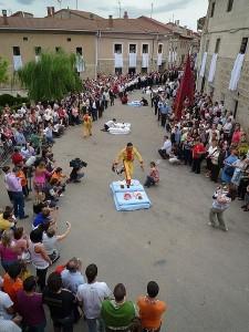 El salto del colacho en Castrillo de Murcia