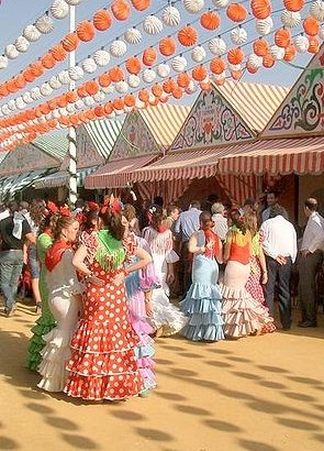 Festival je posvečen plesu la sevillana, posebni obliki flamenka