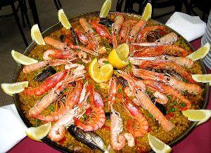Paella z morskimi sadeži